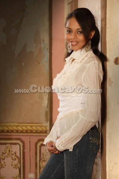 .- 21 años Representa a la Federación de Barrios de Cuenca