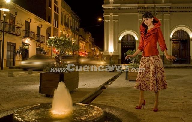 Emilia Álvarez Mancero .- Tiene 20 años y representa a la Clínica Santa Inés