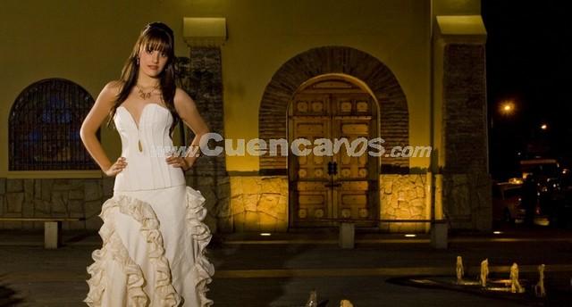María Paz Ordóñez Carvallo .- Tiene 18 años y representa a ETAPA