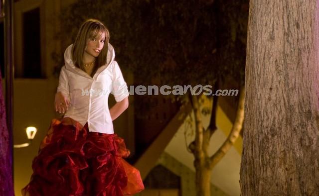 Daniela Arias Ramos .- Tiene 19 años y representa a la Universidad de Cuenca