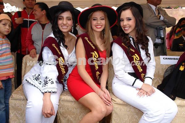 Presentación de las candidatas en el Parque María Auxiliadora .- Tatiana Torres, Ma. Fernanda Segovia y Ma. Dolores Vizcaino
