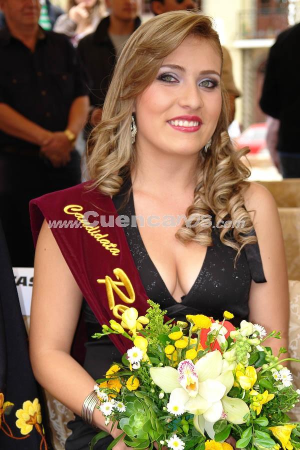 Sofia Guillen .- Sofìa Guillèn, en la Presentación a las Candidatas a Reina de Cuenca 2008 en el Parque de María Auxiliadora, luego del desfile de autos clásicos