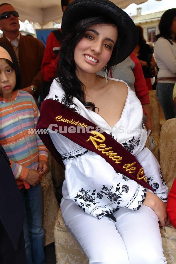 Tatiana Torres .- Tatiana Torres, en la Presentación a las Candidatas a Reina de Cuenca 2008 en el Parque de María Auxiliadora, luego del desfile de autos clásicos