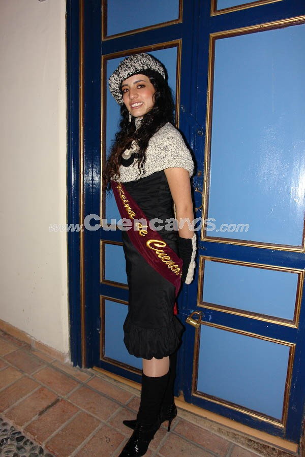 Tatiana Torres .- En el Parque de Santo Domingo, se realizó la serenata en honor a las Candidatas a Reina de Cuenca 2008.