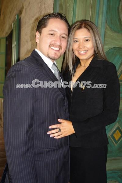 Carlos Cabrera y María Augusta Astudillo .- Monica Galarza y Stanley Cortez contrajeron matrimonio en la Iglesia de Marìa Auxiliadora y tuverieron una recepciòn para sus invitados en el local de Sierra Verde.