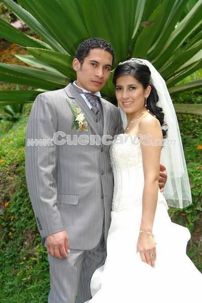 Monica Galarza y Stanley Cortez .- Monica Galarza y Stanley Cortez contrageron matrimonio en la iglesia de Marìa Auxiliadora. Su luna de miel fue en Cartagena