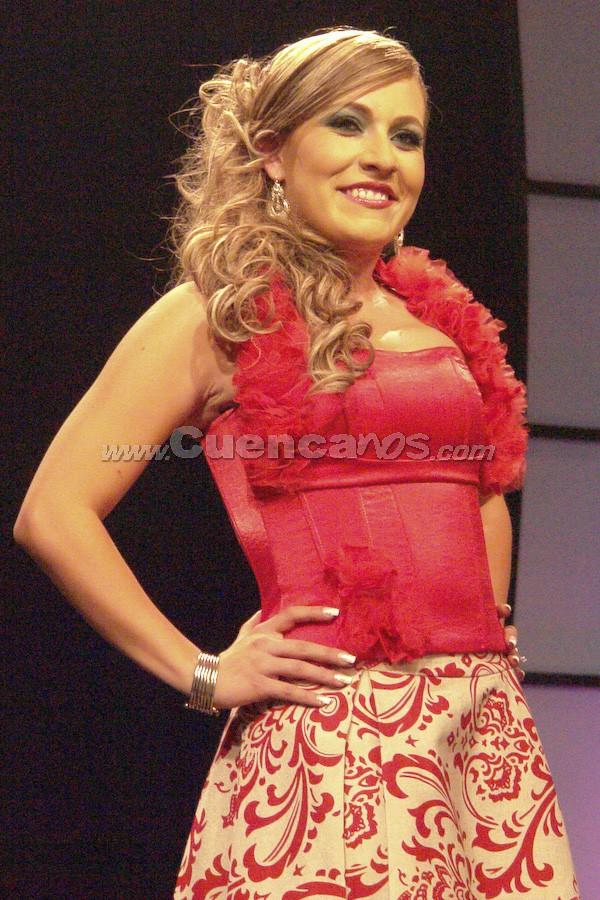 Sofía Guillén Larriva .- Candidata a Reina de Cuenca 2008, en el evento que se realizó en el Centro de Convenciones del Mall del Río, el día Viernes, 24 de octubre de 2008 a las 21h00.