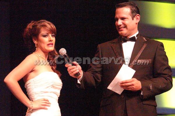 María Paz Ordóñez Carvallo .- Wladimir Vargas formula la pregunta a María Paz Ordoñez.