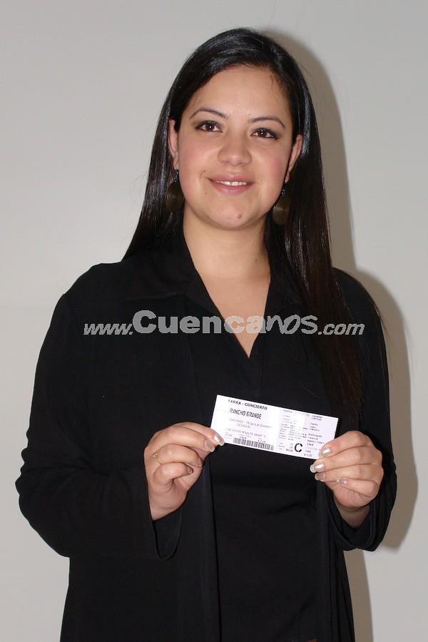 Doris Farfán  .- Doris Farfán participó y gano una entrada para la Farra Concierto de Chichi Peralta para festejar las Fiestas de Cuenca 2008.
