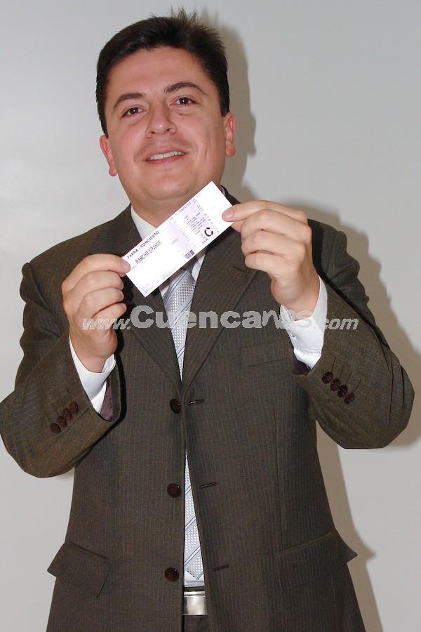 Tito Abril .- Tito Abril participó y gano una entrada para la Farra Concierto de Chichi Peralta para festejar las Fiestas de Cuenca 2008.