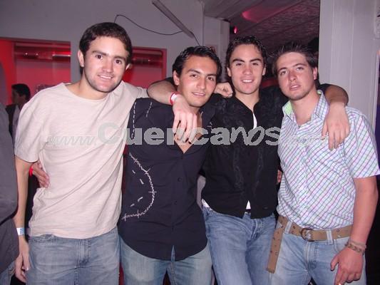 Farra en Lit por Fiestas de Cuenca 2008 .- Ivàn Eguez, Gabriel Granda, Otto Cordero, Sebastián Tamariz
