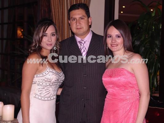 Adriana Ochoa, Jorge Salazar y Andrea Berzosa .- Estuvieron presentes en la recepción ofrecida en San Joaquín por la boda de Gustavo Maldonado y Gabriela Dumas