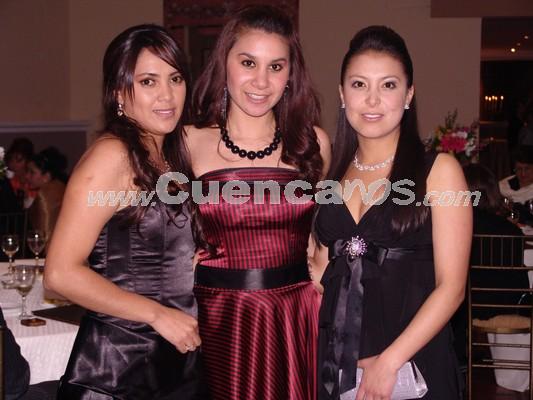 Verónica Echeverría, Jhoanna Bueno, María Angeles Brito .- Estuvieron presentes en la recepción ofrecida en Jardines de San Joaquin por la boda de Gustavo Maldonado y Gabriela Dumas.