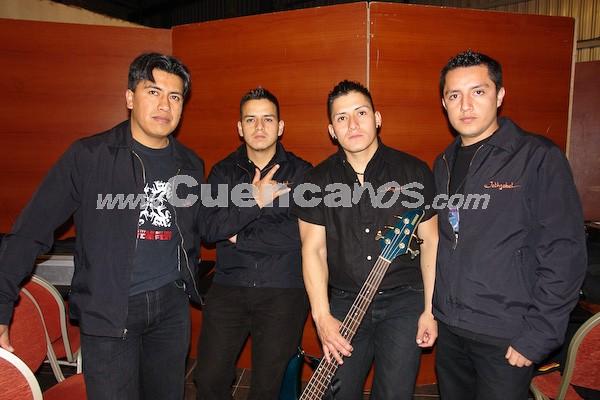 Jethzabel .- Jethzabel , grupo de Rock cuencano, que se presentó en el concierto de Rock Sinfónico, la noche del 14 de noviembre en el Centro de Convenciones Mall del Río.