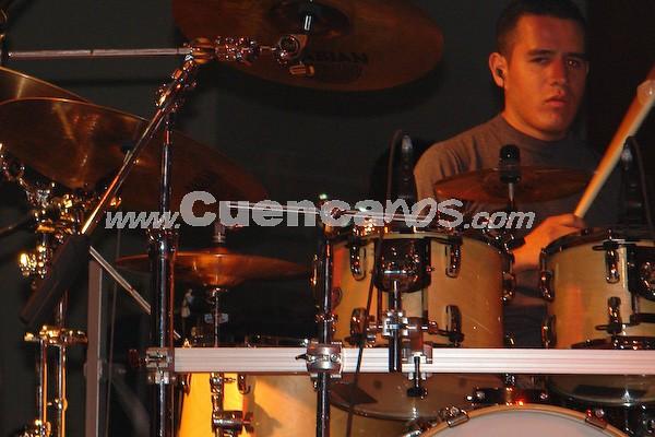 Dharma .- Cristian Vallejo, baterista de la agrupación Dharma; que a estado deleitando a los amantes de esta música desde finales del año 2000.