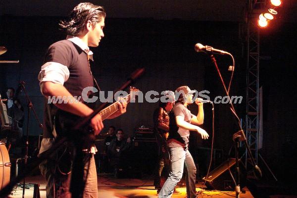 Dharma .- La agrupación cuencana de rock,  integrada por: Walter Novillo, Cristian Vallejo, Josep Wazhima, José Luis Chauca y Hernán Crespo.