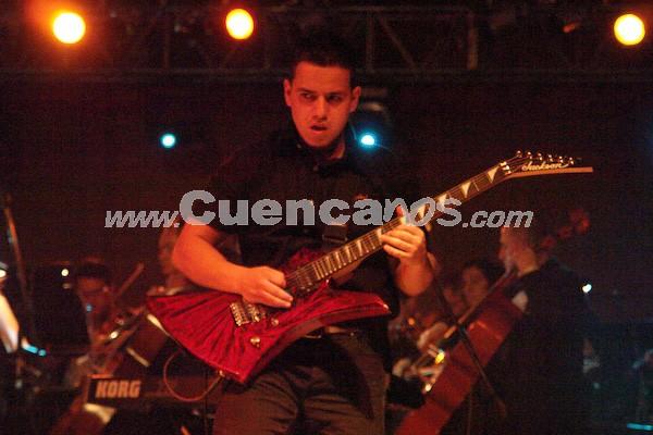 """Jethzabel .- Durante el 2006 y 2007 produjeron su primer CD llamado """"Visión"""", el cual consta de 10 temas grabados en su ciudad natal, Cuenca."""