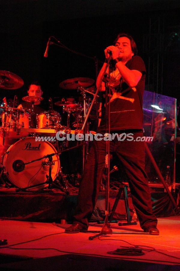 """Jethzabel .- A partir del 2003, Jethzabel empezó a hacerse conocer a nivel nacional con su tema promocional """"Anathema"""". Se han hecho acreedores de varios reconocimientos a nivel nacional como mejor banda de Progresive Metal en los años 2005 y 2006."""