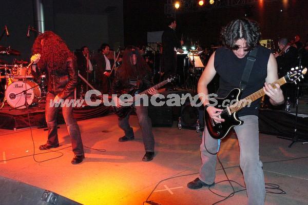 Basca .- Basca se formó en el año 1989 en Cuenca. Ha sufrido cambios de integrantes, pero hoy en día, este grupo de rock esta conformado por: Paúl Moscoso, Guitarra; Leandro Jara, Guitarra; Juan Pablo Hurtado, Voz; Paúl Gallegos, Bateria y Xavier Calle, Bajo.