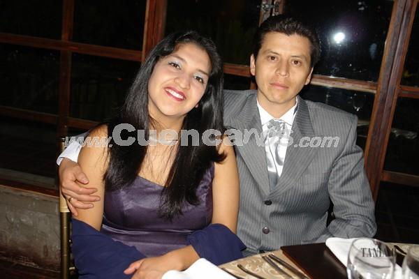 Mónica Quito y Oliver Salvador .- Familiares y amigos de Verónica Portilla y Rolando Zambrano, estuvieron presentes en la recepción por su boda en Jardines de San Joaquín.