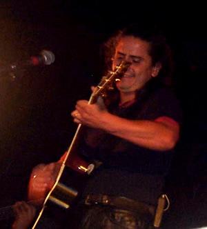 Concierto Pablo Herrera en Cuenca .- En 1983, graba en forma independiente su primer álbum titulado 'Despertar'