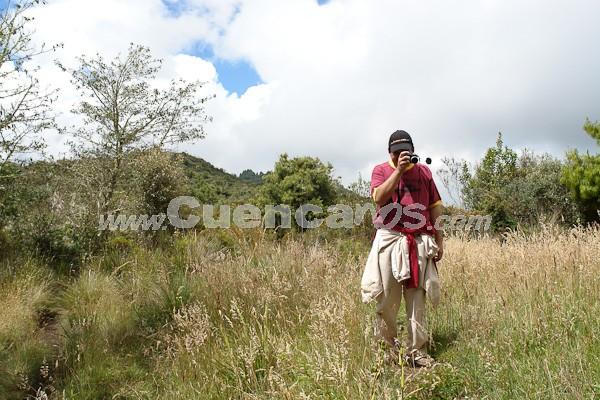 Caminata al Bosque de Aguarongo .- Caminata a Aguarongo por www.Cuencanos.com. El Domingo 14 de Diciembre del 2008 el Equipo de www.Cuencanos.com se unió al club de alpinismo Sangay para realizar una caminata en el bosque de Aguarongo situado entre los cantones de Sigsi Paute y Gualaceo de la provincia del Azuay. En esta aventura que duro aproximadamente 7 horas se estima que caminamos como 24 Kilómetros pude tomar muchas fotografías. Caminata a Aguarongo por www.Cuencanos.com. El Domingo 14 de Diciembre del 2008 el Equipo de www.Cuencanos.com se unió al club de alpinismo Sangay para realizar una caminata en el bosque de Aguarongo situado entre los cantones de Sigsi Paute y Gualaceo de la provincia del Azuay. En esta aventura que duro aproximadamente 7 horas se estima que caminamos como 24 Kilómetros pude tomar muchas fotografías.