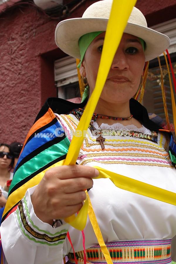 Pase del Niño Viajero 2008 .- En el Pase del Niño se conducen siempre caballos cubiertos por finas mantas o tejidos de lana y seda, y aprovisionados con el