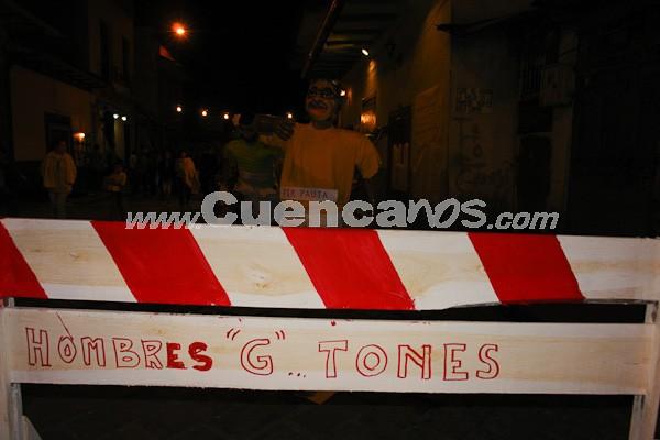 Año Viejo 2008 .- Año a Año los barrios de Cuenca participan en el concurso que organiza el Amistad Club junto con la UPA de Años Viejos. Los participantes invierten semanas de trabajo para crear estas obras, que son quemadas el último día del año para despedirlo.