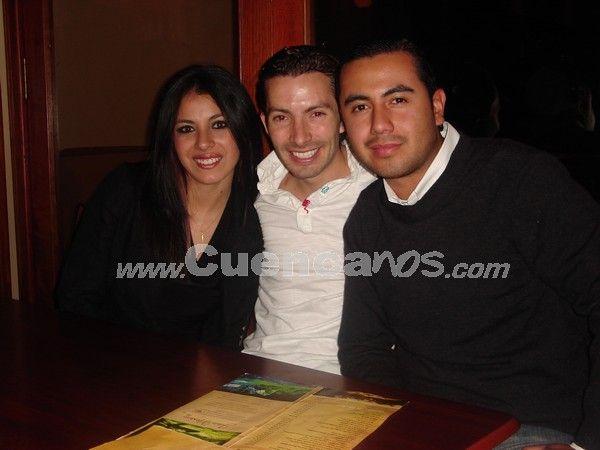 Farreando en Julián Matadero .- Sonriendo para nuestras cámaras encontramos en Julián Matadero a Dayana Ávila, Gabriel Correa y Jean Paul García.