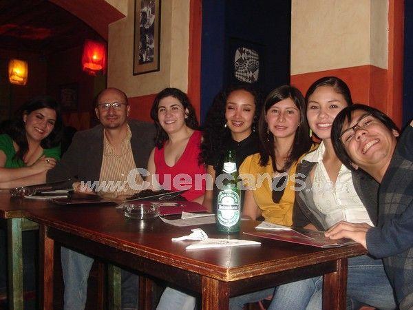 Farreando en Bar Tal Cual .- Llenos de energía pudimos encontrar a Verónica Moreno, Santiago García, Cristina Borrero, Karla Arévalo, Gabriela Barrionuevo, Katty Calvo, Pedro Pacheco.