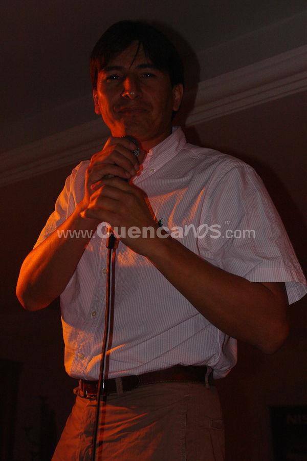 Xavier Crespo .- Reconocido Cantautor, Locutor y Productor de la ciudad de Cuenca en la noche abriendo el show de los Intrepidos en Rancho Grande.