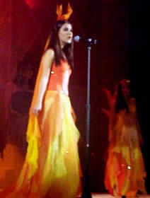 Elección Reina de Cuenca 2003 .- Diana González Aguilera, representando al fuego en su primera presentación