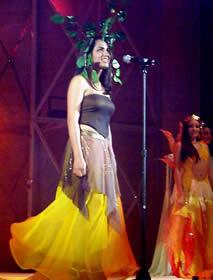 Elección Reina de Cuenca 2003 .- Sandra Pacheco Moscoso, 25 Años, de profesión odontóloga