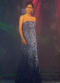 Elección Reina de Cuenca 2003 .- Rebeca no se imaginaba que esa noche se convertiría en la nueva Reina de Cuenca