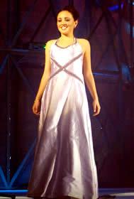 Elección Reina de Cuenca 2003 .- Angélica Fabiola Espinosa Arce 20 Años, estudia en la Universidad del Azuay 'La confianza en uno mismo es la base de un mañana mejor. Nos permite crecer, enriquecernos, y llegar a las metas que nos hemos propuesto'