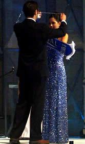 Elección Reina de Cuenca 2003 .- El premio al mejor cabello recayó en la hermoso Rebeca Flores