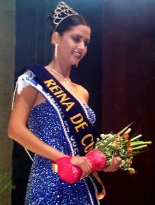Elección Reina de Cuenca 2003 .- María Rebeca Flores Jaramillo, Reina de Cuenca 2003 2004
