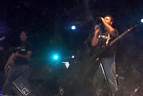 Concierto de Molotov en Cuenca .- Luego de un receso de dos años, la banda regresa con su producción más reciente, Dance and Dense Denso. En este álbum Molotov vuelve a sus raíces, con la potencia de sus guitarras, agresividad y comentario social. Con un sonido más compacto y un mensaje lleno del humor corrosivo y desmadroso, como es su sello, incorporan los temas Frijolero, E. Charles White, Chanwich a la Chichona , Punketón. I´m the One y Que se caiga el Teatro.