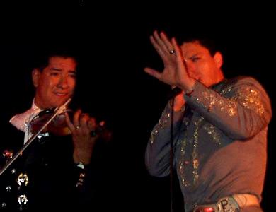 Concierto de Pedro Fernández en Cuenca .- Pedro Fernández se despidió de Cuenca dejando en el público un agradable sensación de un show de calidad