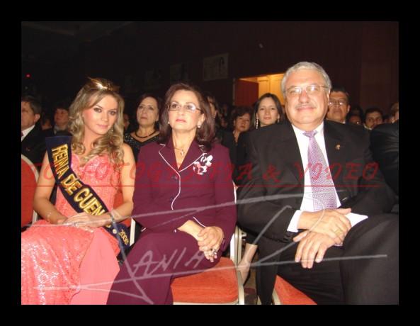 Reina de Cuenca 2007 .- Victoria Jervis, Mireya Velez y Marcelo Cabrera