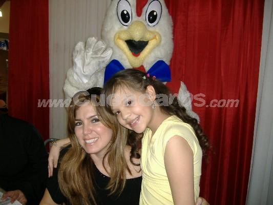 Michelle Cordero .- Michelle junto a Mariela Viteri