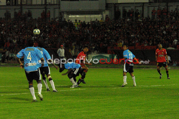 Deportivo Cuenca vs Manta 27 de Mayo del 2009 .- El Miercoles 27 de Mayo en el Estadio Alejandro Serrano Aguilar se desarrollo el Partido entre El Club Deportivo Cuenca y Manta donde los rojos ganarón al equipo mantense por 2 goles a 1.
