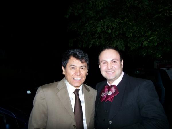 Tyrone Vintimilla y Alvaro Torrez .- Gran show donde Tyrone Vintimilla y Alvaro Torrez impactaron con sus melodias  dos grandes Artistas