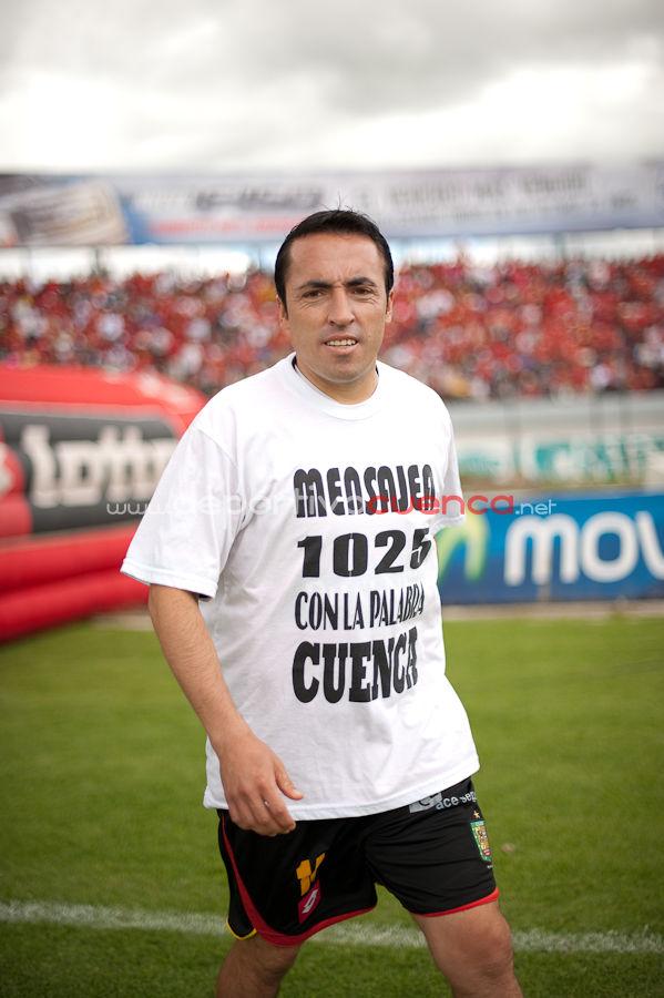 Deportivo Cuenca vs Emelec 28 de Junio del 2009 .- En el Estadio Alejandro Serrano Aguilar de la ciudad de Cuenca se realizo el Partido entre el Equipo Colorado y los Eléctricos donde el equipo local perdió por la diferencia de 1 gol a 0.