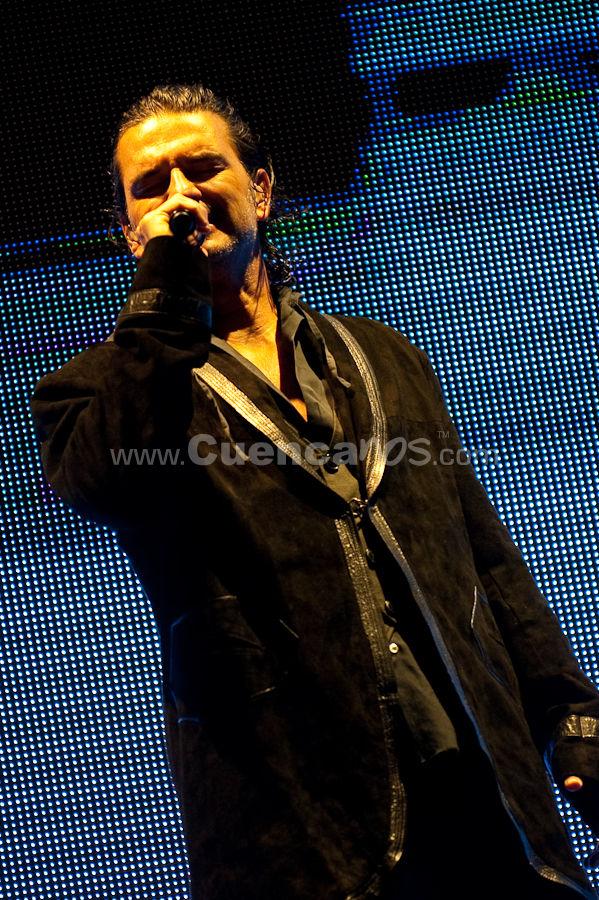 Ricardo Arjona .- Dentro de la gira 5to. Piso, el guatemalteco Ricardo Arjona, ofreció un concierto en nuestra ciudad, el estadio Alejandro Serrano Aguilar fue el escenario para este evento.