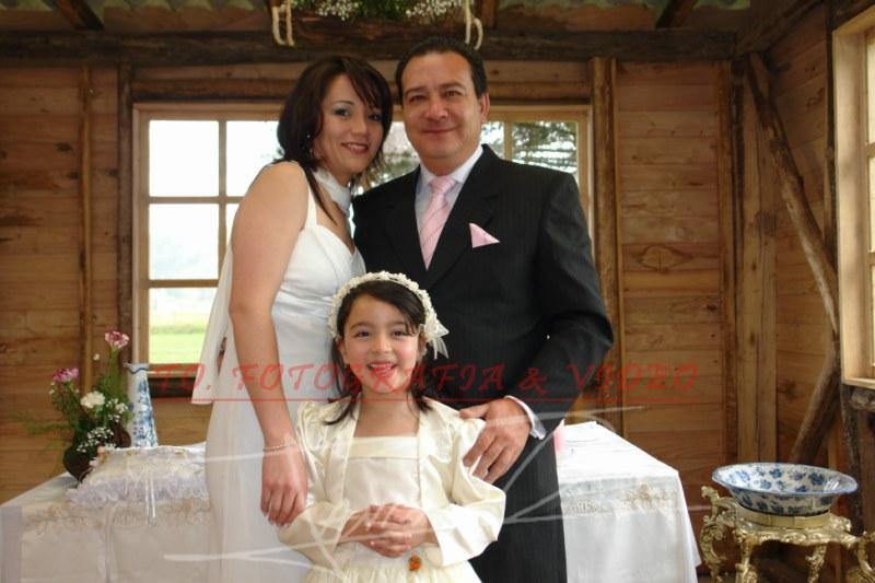 Boda de Maria Ines Galindo y Pedro Dominguez .- Marìa Inès Galindo, Pedro Dominguez, Emilia Domìnguez (bautizada)