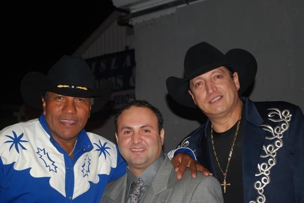 Farandula .- Tyrone Vintimilla Jose Lupe y Ramiro Saludos a Cuencanos.com