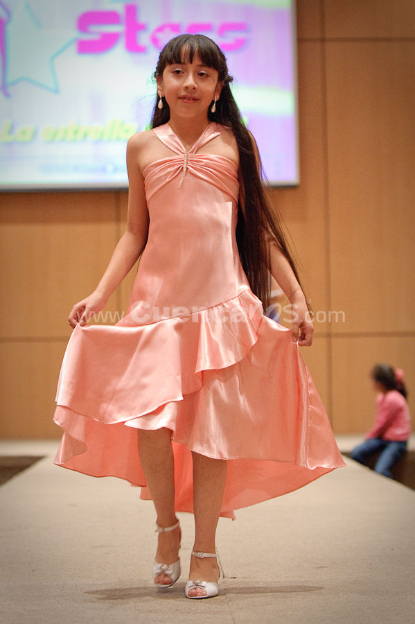 Defile Dayan Star 2009 .- La Agencia de Modelos y creadora de Reinas de Belleza Dayan Star termino su año con un desfile de modas en los salones del centro de convenciones de mall del rio. Donde hermosas niñas y adolecentes modelos desfilaron por la pasarela recibiendo los aplausos del público presente.