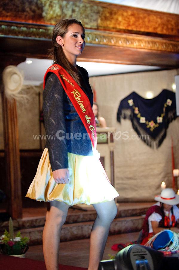 Presentación de la Candidatas a Reina de Cuenca 2009 .- Ana Carolina Flores - Candidata a Reina de Cuenca 2009<br>En los Salones de los Jardines de San Joaquín se realizo la presentación oficial de las 12 hermosas candidatas a la corona de Reina de Cuenca 2009, Cada una de ellas salió y recibió la banda por un represéntate de las fundaciones que representan, el evento fue animado por la hermosa Verónica Ochoa que nombre a cada candidata luciendo trajes de diseñadora Silva Peña.