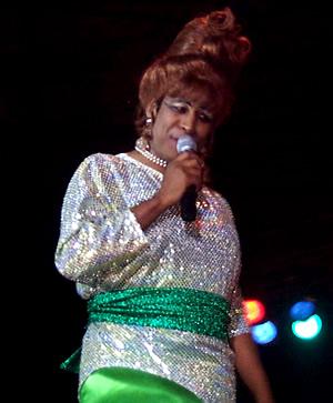 Show de Julio Sabala Imitomanía .- Julio Sabala hizo reir al público con su singular manera de imitar a Celia Cruz
